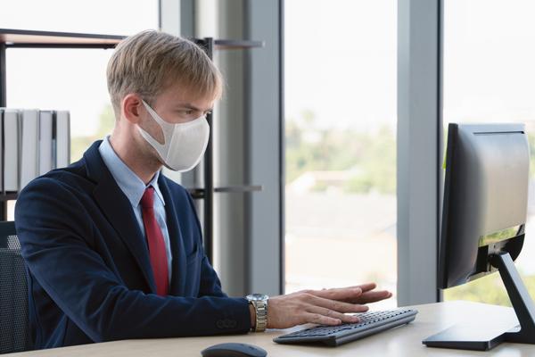 Як бізнес в Україні воює з коронавірусом?   «Дебет-Кредит ...